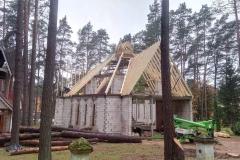 Sudėtinga-stogo-konstrukcija