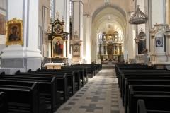Mediniai suolai bažnyčioms